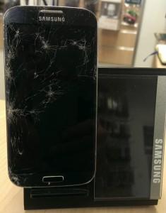 Samsung Galaxy SIV fissuré